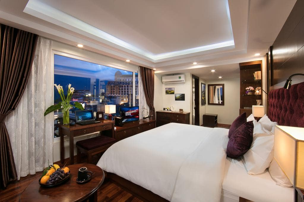 Khách Sạn Nha Trang Có bể Boi Vô Cực - Nha Trang Horizon Hotel