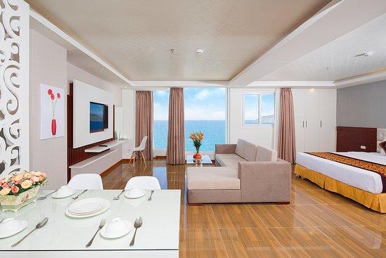khách sạn 3 sao mặt biển nha trang-Paris Hotel Nha Trang