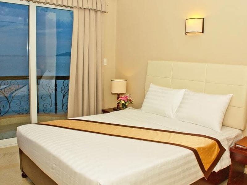 Khách sạn 3 sao Phạm Văn Đồng Nha Trang- Fairy Bay Hotel Nha Trang